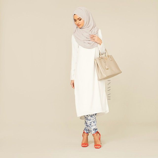 INAYAH | White Crepe Midi Dress + Leaf Print Tapered Trousers + Light Feather Grey Maxi Georgette Hijab | www.inayahcollection.com #coveredclothing #Hijab #looseclothing #loose #dress #islamicfashion #modestfashion #modesty #modeststreestfashion #hijabfashion #modeststreetstyle #modestabayas #modestdresses #ootd #midi #springfashion #INAYAH #covereddresses #islamicfashion #summerdresses