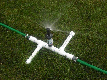 Hoses for Sprinkler Heads | Picture of A Three Head Sprinkler for Odd Lawns