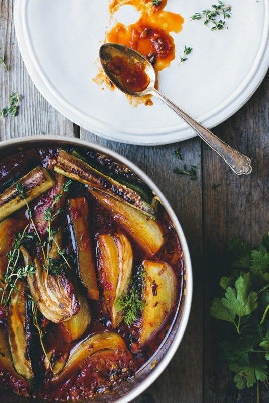 Braised Fennel Wedges with Saffron, Tomato, Zucchini and Thyme via @greenkitchenstories