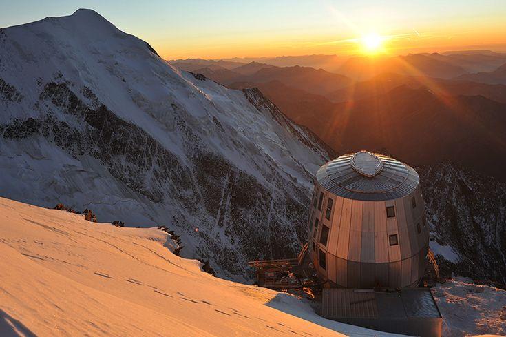 refuge du gouter: self sufficient mountain hut by groupe h - designboom | architecture & design magazine