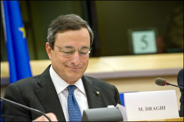 El BCE comenzará a comprar bonos el próximo 9 de marzo y hasta septiembre de 2016 - http://plazafinanciera.com/mercados/mercados-europeos/el-bce-comenzara-a-comprar-bonos-el-proximo-9-de-marzo-y-hasta-septiembre-de-2016/ | #BancoCentralEuropeo, #MarioDraghi, #QE #Mercadoseuropeos