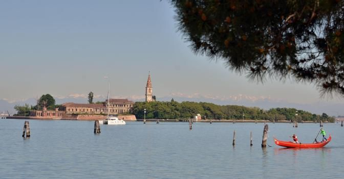 Venezia, un imprenditore si aggiudica l'isola di Poveglia per 500mila euro
