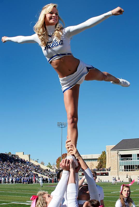 Jordan Cremin 6 college cheer from Kythoni's Cheerleading: Collegiate board http://pinterest.com/kythoni/cheerleading-collegiate/ m.10.2