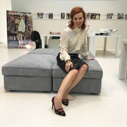 De rok van Simone.. Wil de hele redactie in haar eigen garderobe.