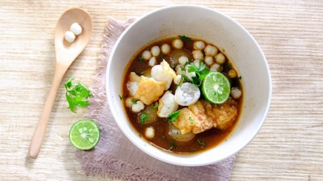 Resep Dan Cara Mudah Buat Bakso Aci Pedas Di Rumah Di 2020 Resep Makanan Bakso