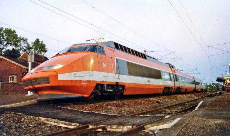 Engins Ferroviaires en France: TGV Sud-est N°98 à Longueau (80)