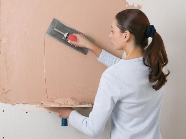 how to get old glue of plaster walls
