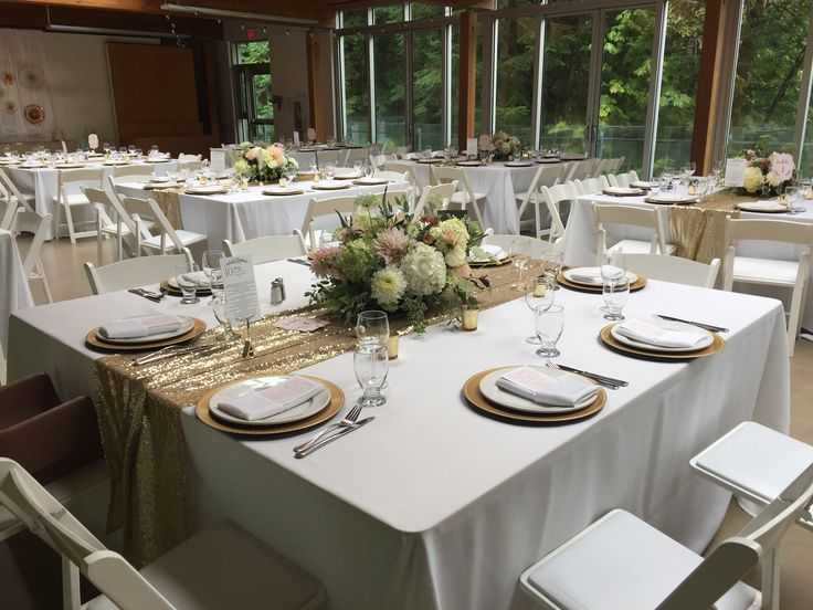 White and gold guest table decor from real Squamish, BC wedding. #createweddingsandevents #squamishweddings