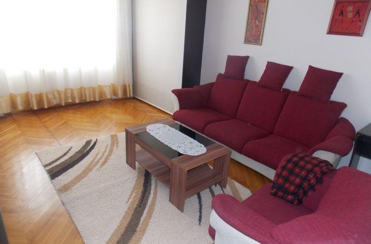 Apartament modern 3 camere decomandate zona Mihai Viteazul la 300 euro
