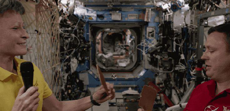 NASAによる宇宙から初めての4Kライブストリーミング、のちほどアーカイブでも公開されるそうです。4Kテレビに出力したい。 https://shr.tc/2oNKNDA