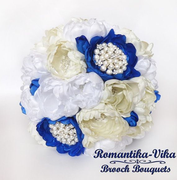 Brooch bouquet. Ivory Blue and White wedding bouquet