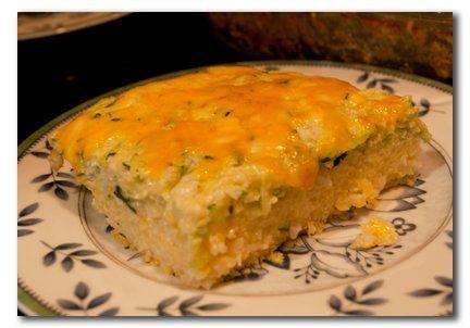 Einfacher geht's nicht: Das Rezept für den Reisauflauf mit Zucchini braucht nur wenige Zutaten und ist ganz leicht zuzubereiten.