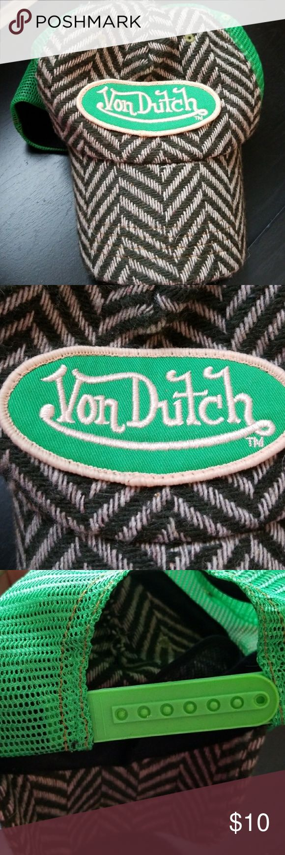 Women's Von Dutch Hat Women's Von Dutch hat with adjustable strap. Do not hesitate to ask questions (: Von Dutch Accessories Hats