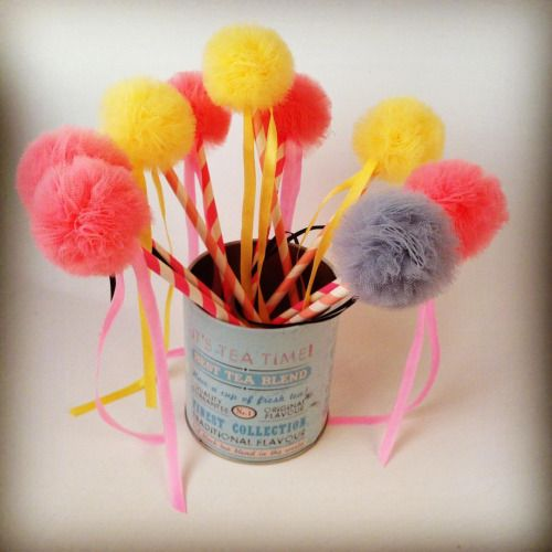 Little tulle lollipops are ready for the party! Decor and enjoy! #lollipop #kidsparty #tulle #tullepompoms #homedecor #tutu #tabledecor #sewingforkids #handmadewithlove #musthave #musthaves #birthdaygift #handmadegifts #giftideas #giftsforkids #etsy...