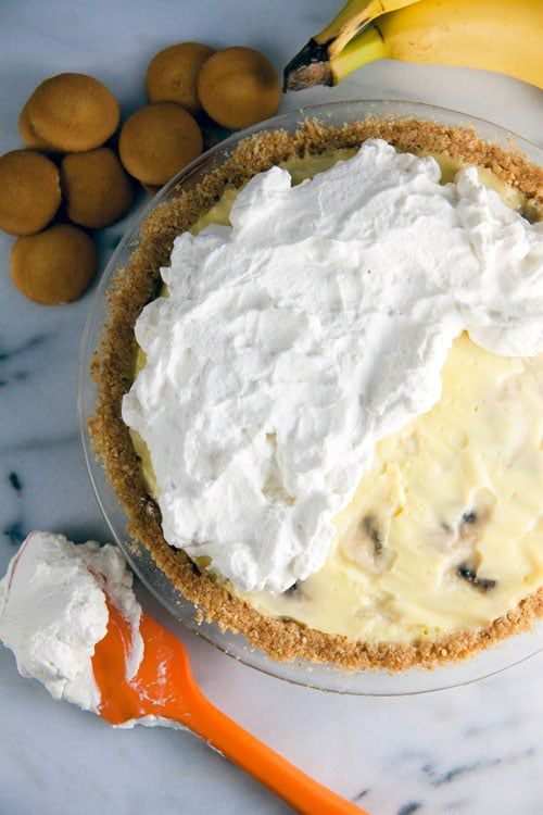 Homemade Banana Cream Pie + a Cookbook Giveaway ~ http://www.healthy-delicious.com