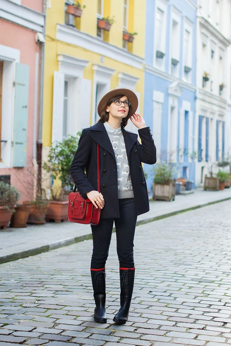 Mode and The City - Blog mode et lifestyle // Rue Crémieux, Paris wearing Zara hat, Aigle boots, The Leather Satchel Company bag and Oysho dog print sweater