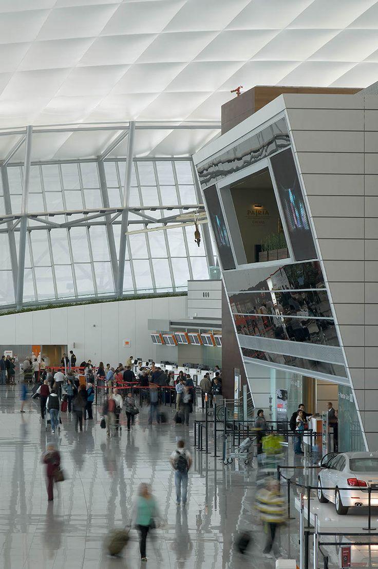 Carrasco International Airport | Rafael Viñoly Architects | Departures Hall. Photo: Daniela Mac Adden