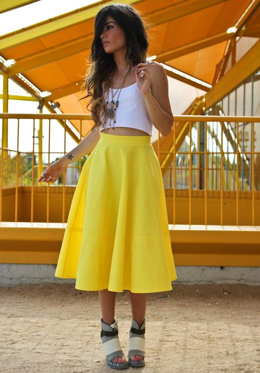 More yellow.: Perfect Hair, Pretty Dresses, Blogowej Pinger Pl, Summer Style, Colors Theme, Outfit, Yellow Skirts, Bright Boho, Bright Yellow