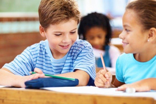 Πώς μπορούμε να διδάξουμε στα παιδιά να αφήνουν κενά μεταξύ των λέξεων όταν γράφουν