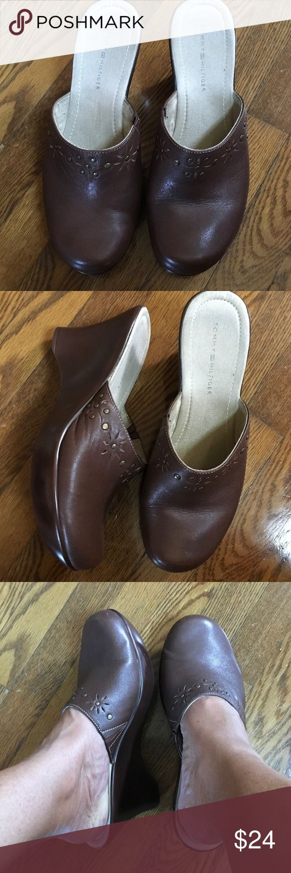 """Brown Tommy Hilfiger Mule Clogs great condition Gently worn still have many more miles to put on them! Great condition 3.5"""" heel very comfy Tommy Hilfiger Shoes Mules & Clogs"""