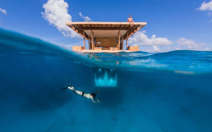 The Manta Resort é o primeiro hotel submarino #undersea #submarino #hotel #resort #travel #luxury #luxo #viagem