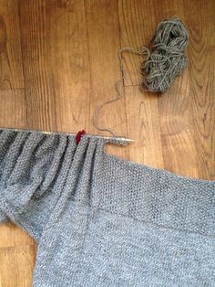 … mais un peu long à faire quand même ! Ca faisait un petit moment que j'avais envie de me tricoter un pull. Mais assembler plusieurs parties de tricot pour faire un vrai vêtement n&rsq…