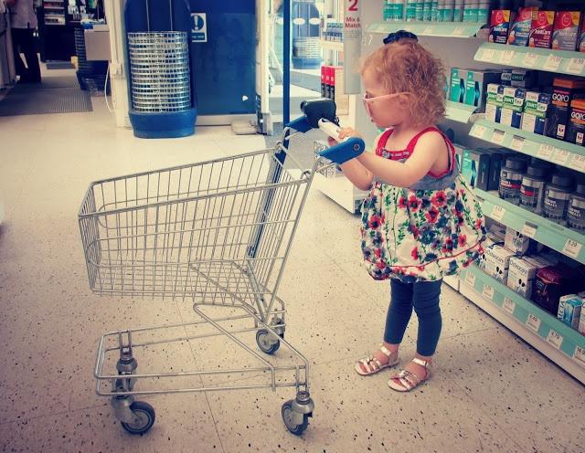 Child's shopping trolley | Sprinkle of glitter