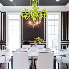 black and white dining room, you could even add in wainscotting which would be fab!
