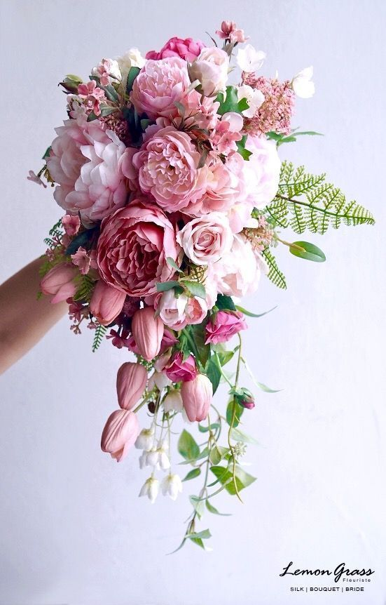 Bridal bouquet shape - Hochzeit Blumen und Farbgestaltung ...