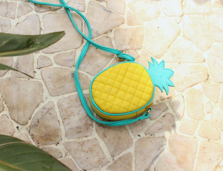 todomoda pineapple clutch