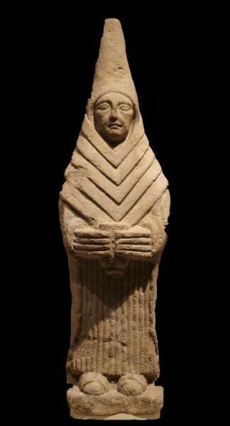 Figura Oferente, Arte Ibérico - Procedente del Cerro de los Santos, Montealegre del Castillo, Albacete