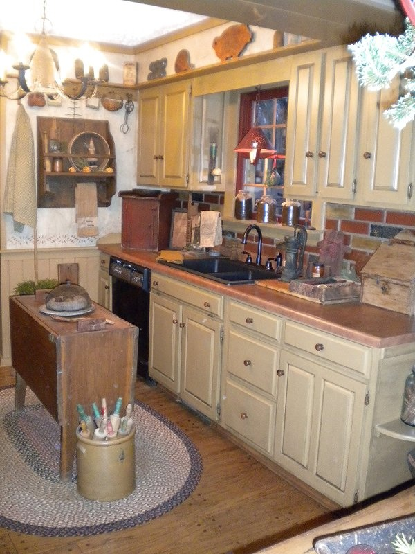 137 best primitive country kitchens images on pinterest for Country kitchen colors ideas