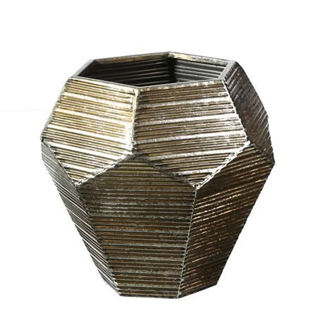 Silver flowerpot with antique inspirtaions could be a right choice for your garden redecoration.