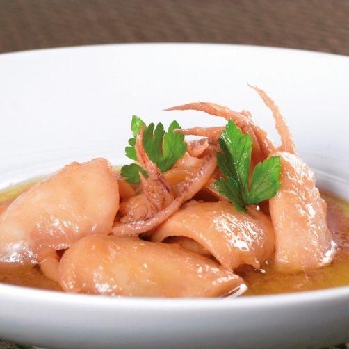 Una deliciosa receta de Chipirones troceados encebollados para #Mycook http://www.mycook.es/receta/chipirones-troceados-encebollados/