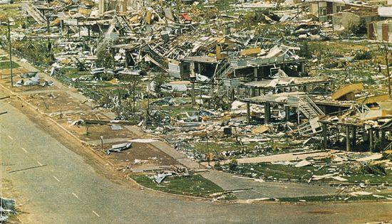 Darwin after cyclone Tracy Christmas Eve 1974