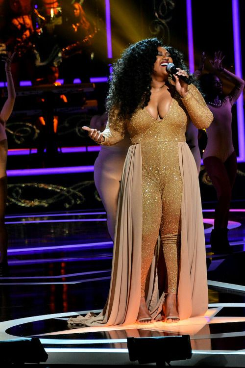 "QueenSayWhatIFeel: Jazmine Sullivan's ""Masterpiece"" of a performance at Black Girls Rock 2016. #blackgirlmagic"