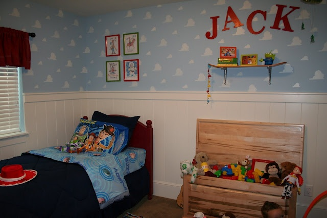 Top toy story 2 andy room wallpapers for 2 story bedroom ideas
