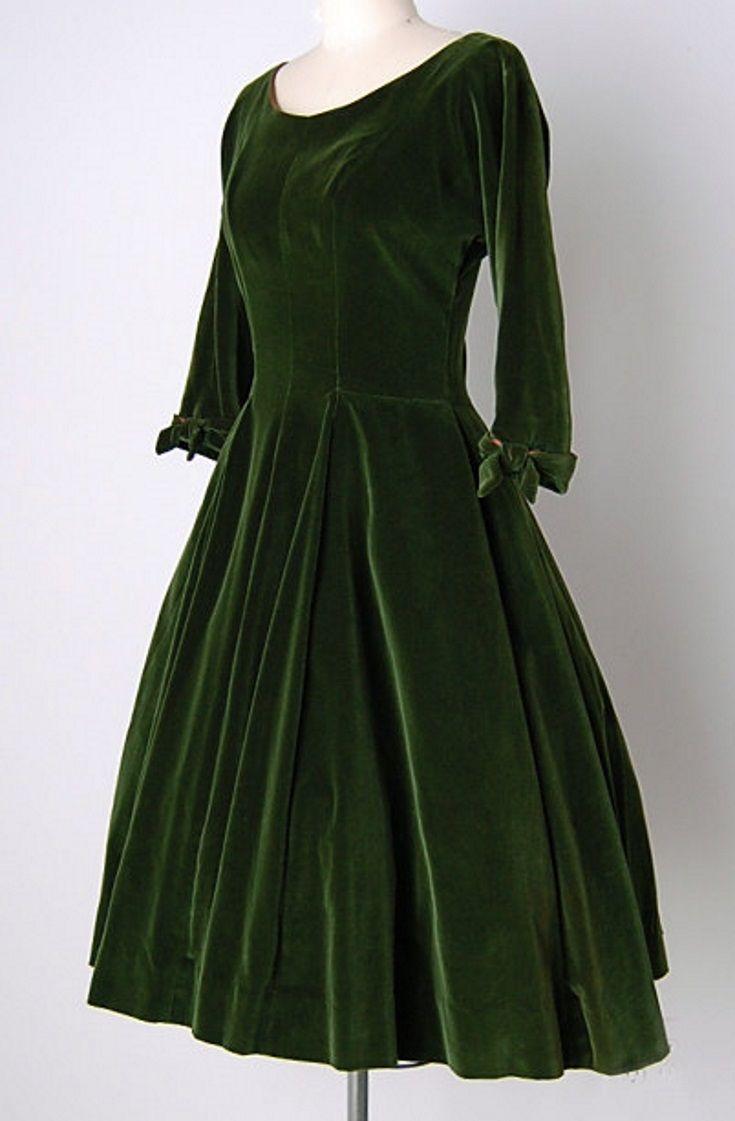Nicholas Unger 1950s Emerald Green Velvet Dress Green Velvet Dress Job Clothes [ 1121 x 735 Pixel ]