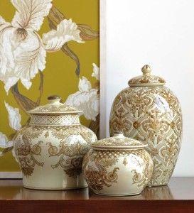 Однотонная китайская керамика в декоре интерьера.
