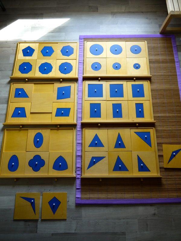 Album Montessori 3-6 ans en ligne sur le blog : présenter le cabinet de géométrie