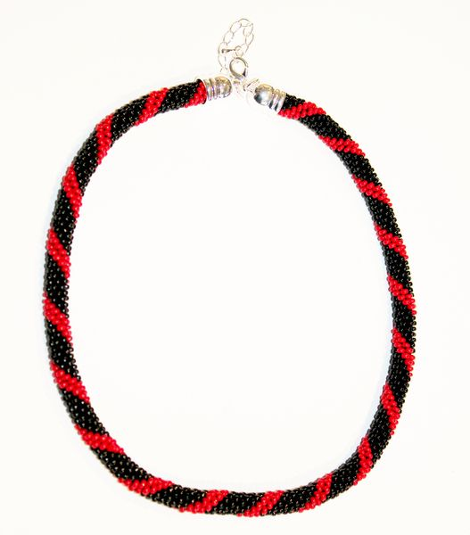 Perlenkette Spirale von Natalie J. auf DaWanda.com