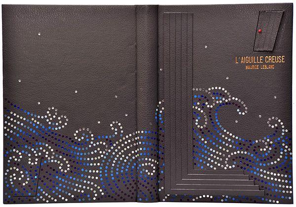 """Biennale Mondiale de Reliure - """"L'aiguille creuse"""", de Maurice Leblanc (Arsène Lupin). Reliure de Yoshimori NAKAO (JAPON) - Prix Inter Ecoles 2013"""