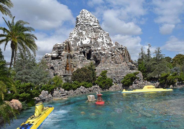 Managing Summer Crowds and Heat at Disneyland - Finding Nemo Submarine Voyage