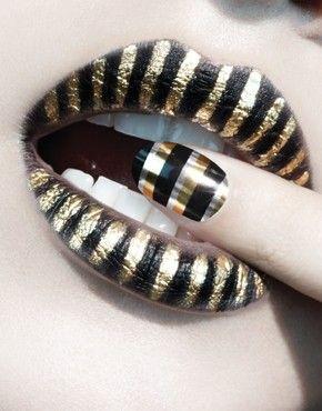 golden zebraNails Art, Blackgold, Nail Wraps, Makeup, Beautiful, Lips, Black Gold, Stripes, Nails Wraps
