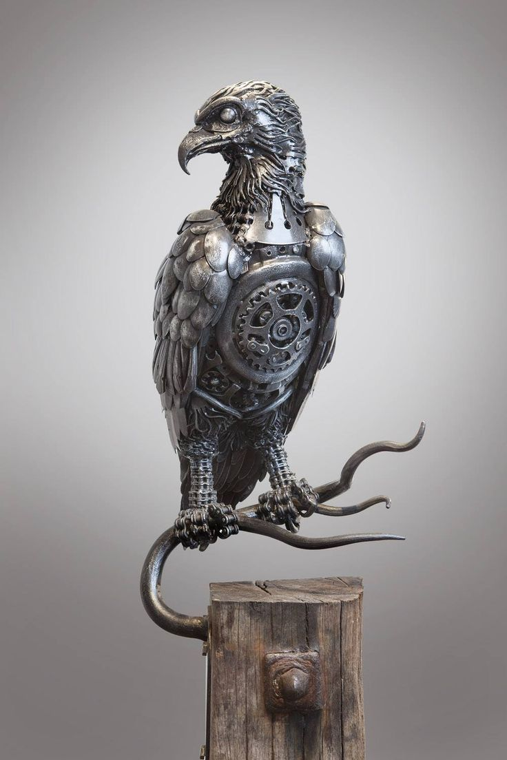 Steampunk Eagle, one of several fabulous scrap metal sculptures by Alan Williams. I'm crazy about this one!  ~~ Houston Foodlovers Book Club