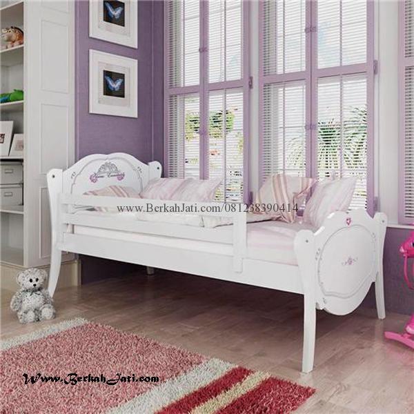Jual Tempat Tidur Anak Perempuan Lengkung Cat Putih Duco Merupakan Produk Mebel Berkah Jati dengan desain Minimalis Lengkung Cat Putih Duco Cantik