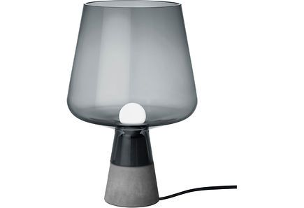 Leimu-valaisimen inspiraationa on yllättäviä materiaaleja yhdistelevä moderni…