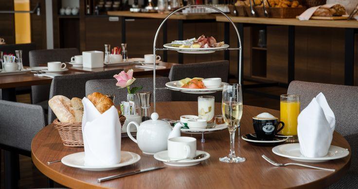 Á la carte-Frühstück im IMLAUER Sky - Bar & Restaurant