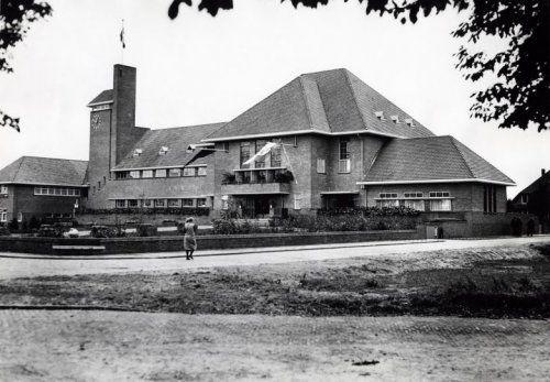 Raadhuis Van Katwijk Aan De Zeeweg, Gebouwd In 1932