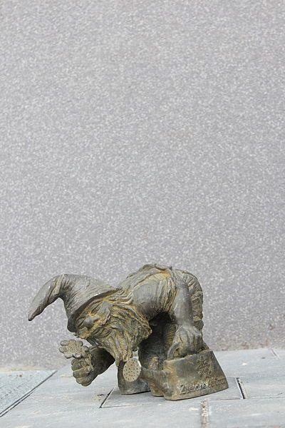 File:Hortus (Hortic) Wroclaw dwarf 01.JPG